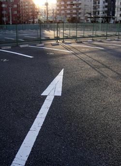 051227_empty_parking.JPG