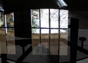 060527_glasstable.JPG