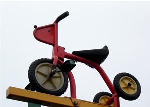 061209_tricycle.jpg