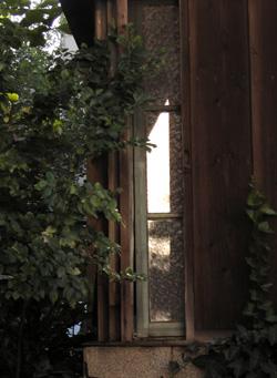 080910_window.jpg