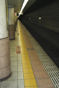 100507_subway.jpg