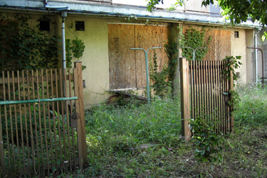 100528_old_house.jpg