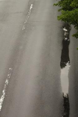 100702_rainy_road.jpg