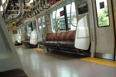 100706_train.jpg