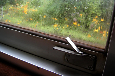 100729_train_window.jpg