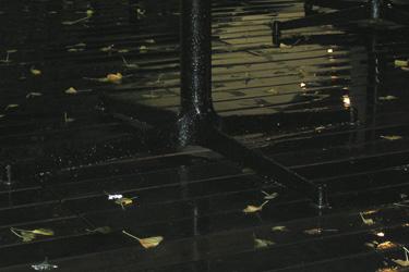 101030_night_rain.jpg