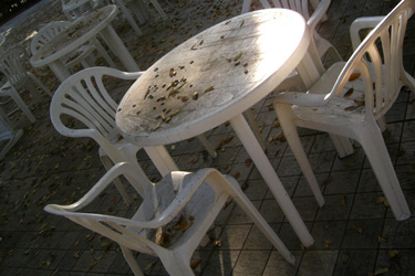 101116_tables_&_chairs.jpg