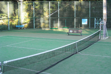 121016_morning_tennis_court.jpg