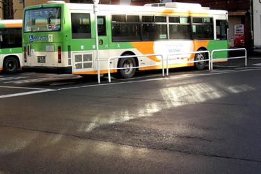 121226_bus_stop.jpg