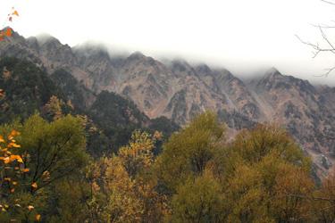 131031_foggy_mountains.jpg