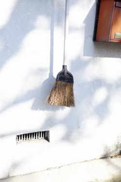 141223_broomstick.jpg