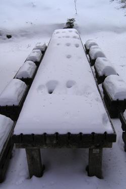 170120_snow_bench.jpg